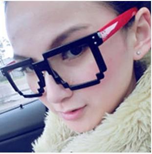 แว่นตาแฟชั่นเกาหลี สีแดงดำ (ไม่มีเลนส์)