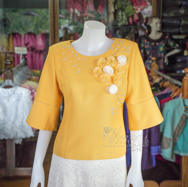 เสื้อผ้าฝ้ายสุโขทัยแต่งลูกไม้ปักมุก สีเหลือง ไซส์ S