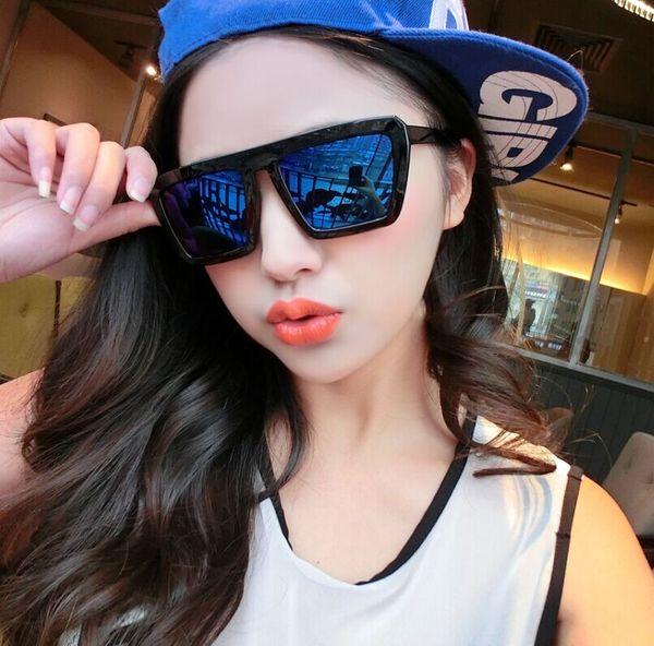 แว่นตากันแดดแฟชั่นเกาหลี กรอบดำ ฟิล์มปรอทสีน้ำเงิน
