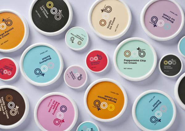 ไอเดียสำหรับการพิมพ์ สติ๊กเกอร์ฉลากสินค้า // สไตล์การออกแบบ ดีไซน์แบบการใช้สีสันที่สดุดตา น่าสนใจ ฉลากไว้ใช้สำหรับ แปะกับแพคเกจถ้วยไอศกรีม