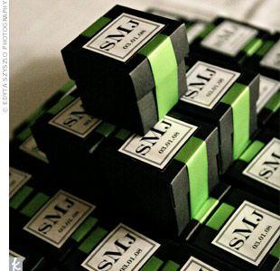 ไอเดียสำหรับการพิมพ์ สติ๊กเกอร์ฉลากสินค้า // สไตล์การออกแบบ ดีไซน์แบบเรียบๆ แต่มีสไตล์ ฉลากไว้ใช้สำหรับ แปะกล่องของชำร่วย กล่องของขวัญต่างๆ