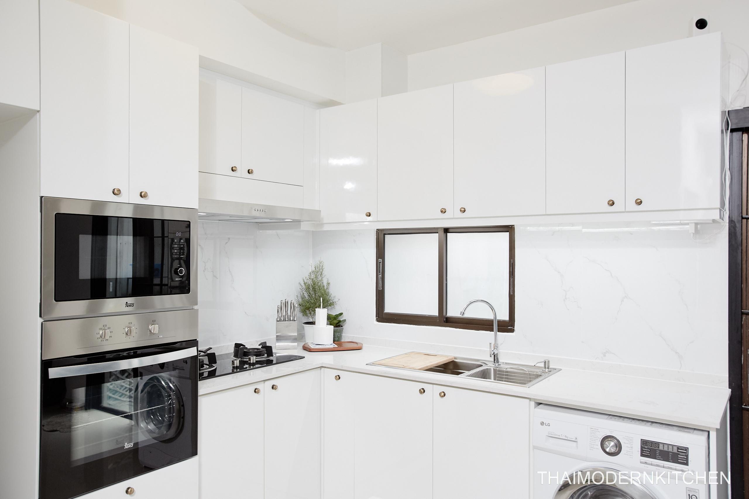 1.7×1.2 ตู้บน+ล่าง 0.9 ตู้เต็ม 0.9 ตู้บนเหนือตู้เย็น