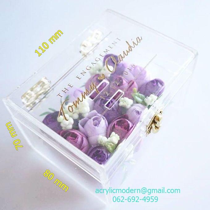 กล่องใส่ดอกไม้และแหวน