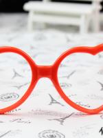 แว่นตาแฟชั่นเกาหลี กรอบหัวใจสีส้ม (ไม่มีเลนส์) (ของจริงส้มสว่างกว่าในภาพคะ)