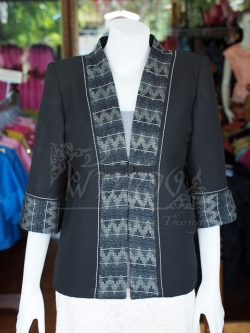 เสื้อคลุมผ้าทอลายลูกแก้วสีดำแต่งผ้าลายมัดหมี่สุโขทัย ไซส์ L