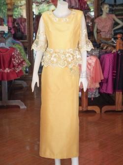 ชุดเสื้อกระโปรงผ้าไหมแพรทองแต่งลูกไม้ สีทองอ่อน ไซส์ M