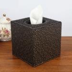 กล่องทิชชู่ หนัง pu สีดำ ลายหลุยส์ทอง ใส่กระดาษทิชชู่ ขนาด 13cm x 13cm x 13cm