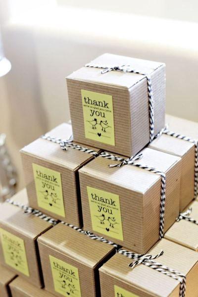 ไอเดียสำหรับการพิมพ์ สติ๊กเกอร์ฉลากสินค้า // สไตล์การออกแบบ ดีไซน์แบบเรียบๆ แต่มีสไตล์ ฉลากไว้ใช้สำหรับ แปะกล่องกระดาษ กล่องของขวัญ
