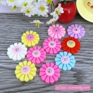 เรซิ่นดอกไม้ติดเพชร คละสี 2 cm. (10 ชิ้น)